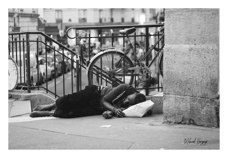 Paris... Poor  Photooftheday France 🇫🇷 Misère Social Issues Ghetto