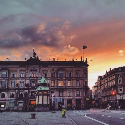 9pm at Köbenhavn Nyhavnport Copenhagen Nyhavn Cb_travellogs @visitcopenhagen