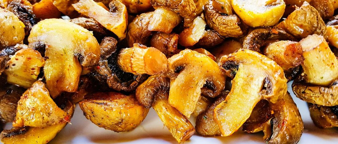 mushrooms roasted food Porchini Porcini Mushrooms Mushrooms Roasted Grilled Oily Food Yellow Full Frame Backgrounds Close-up Served Prepared Food Ready-to-eat Roast Dinner