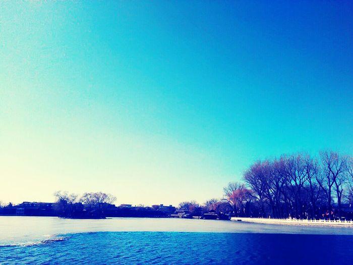 Shichahai Beijing beijing Beijing Trip Winterwonderland Splendid_reflections Water Reflections Blue Sky Light Trails Watercolour Bling Bling ♥ I Love It ❤ Fabulous ♥ Beautiful ♥ Mavelous Gorgeous Light Sunshine ☀ Sunshine💛 Beihai Park BeijingBlue