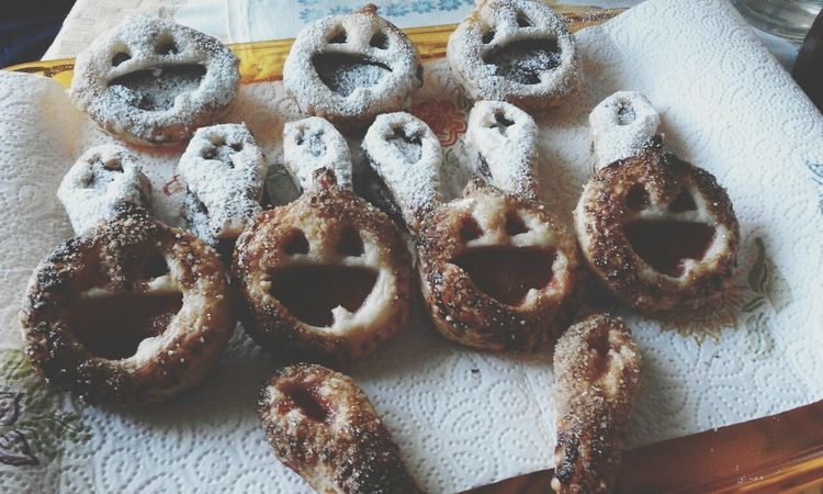Aww i love halloween! 🎃 Dessert Dessertphotography Postre Postres Mmmm Dulce Dolce ♥ Nutella ♥ Nutellalove Mermelada Pumpkin!Pumpkin! Bake Cocinarock Meencanta Pastasfoglia Pastasfogliaripiena