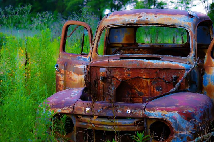 Outdoor Photography Outdoors EyeEm Best Shots Abandoned Truck Antique Truck Antique Collection Rusty Autos Rusty Metal Rusty Mein Automoment
