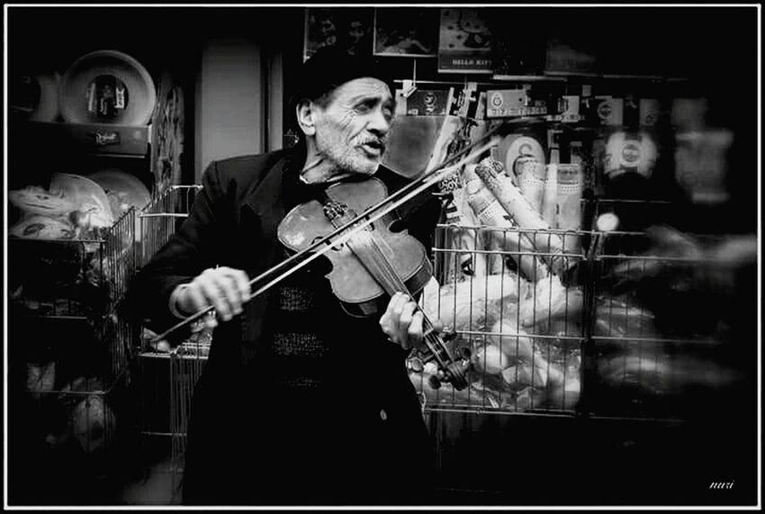 Street musician, Kemeraltı, Izmir Black And White Monochrome Streetphotography