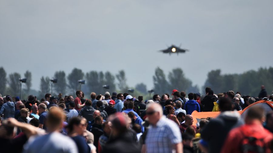 F-22 Landing during RIAT 2017 Crowd Large Group Of People Real People Group Of People Sky Outdoors Spectator Air Force U.S Air Force  F-22 Raptors Fighter Jet Aviation Flying Military Air Show Landing
