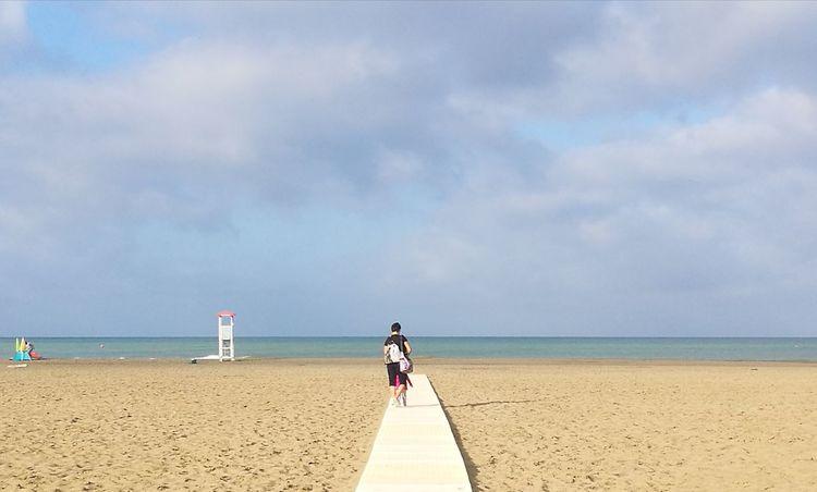 io ed il mare Tranquility Beautiful Colors Contemplazione Fusione Luce Water Sea Beach Full Length Sand Summer Protection Sport Sand Dune Walking Lifeguard Hut Calm