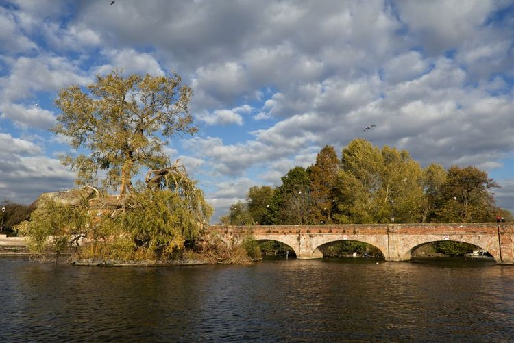 Tramway Bridge, Stratford-upon-Avon. Bridge Connection Water Bridge - Man Made Structure Built Structure Tree Cloud - Sky Architecture Plant River Sky Arch Bridge Arch Nature Transportation Day No People Waterfront Outdoors Arched EyeEmNewHere