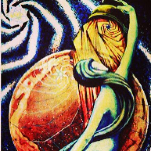 Star Thestar Thoth Thothtarot spiritual psychic tarot tarotdeck tarotreader tarotcards woman femininity female material balance good evil universe