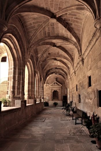 No People Arquitecture Architecture And Art Columns And Pillars Claustro History Arch Corridor Architecture Built Structure Abbey Monastery Colonnade Archaeology Architectural Column