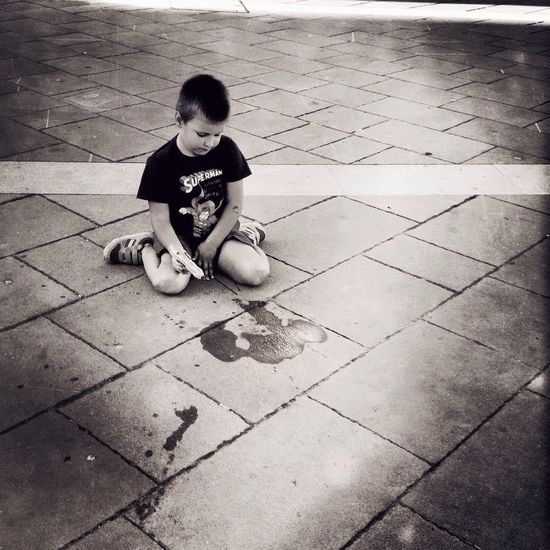 Dirty Childhood. Streetphotography_bw Streetphoto_bw Fortheloveofblackandwhite Monochrome