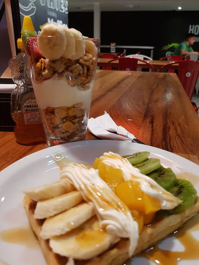 wafles Comer Sano Saludable Durazno Peach Banana Yogourt Desyuno Comida Sana/Healthy Food Granola Wafles Frutas Colorful Healthy Eating Healthy Lifestyle Fruit Yummy EyeEm Selects Drink Drinking Glass SLICE Table Ice Cube Close-up Food And Drink Kiwi - Fruit Fruit Salad