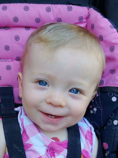 Pretty In Pink Good Morning Sunshine Days Of Babysitting I'll Always Love You Babyhood LG V30 Morning Light Good Morning Sunshine Baby Blue Eyes It's A Family Affair Portrait Looking At Camera Headshot Childhood Smiling Front View Baby Human Face Close-up Babyhood One Baby Girl Only