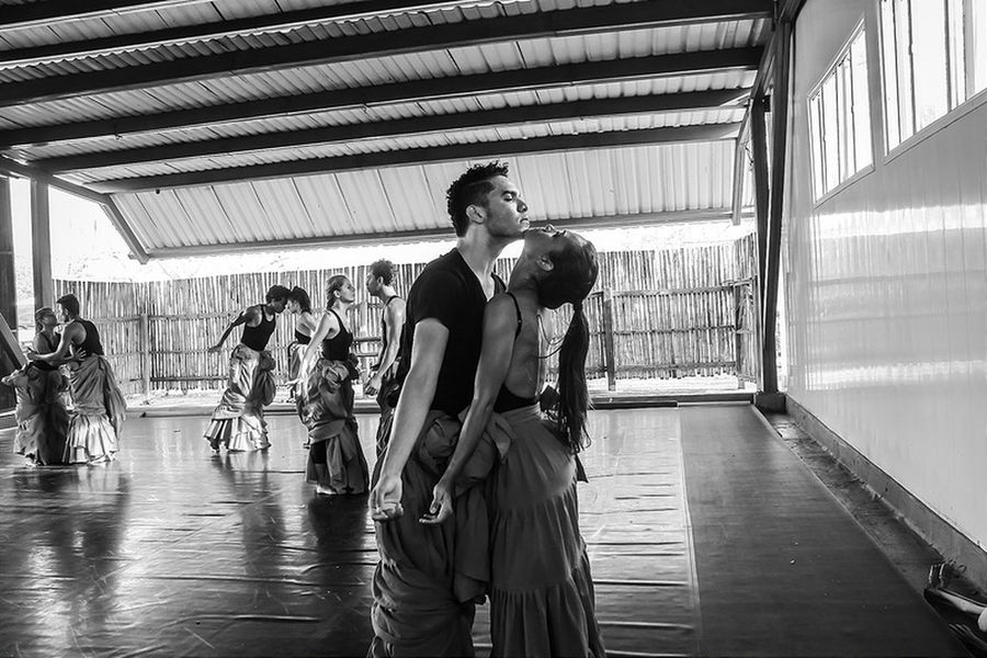 Baila la danza Danza Dance Dancers DanzaContemporanea Fotografia First Eyeem Photo Fotography Fotografo Photographer Artist Fotógrafos Luz Y Sombra  Women Around The World Human Body Part Real People Model Cartagena One Person EyeEmNewHere Luz Y Sombra  Models