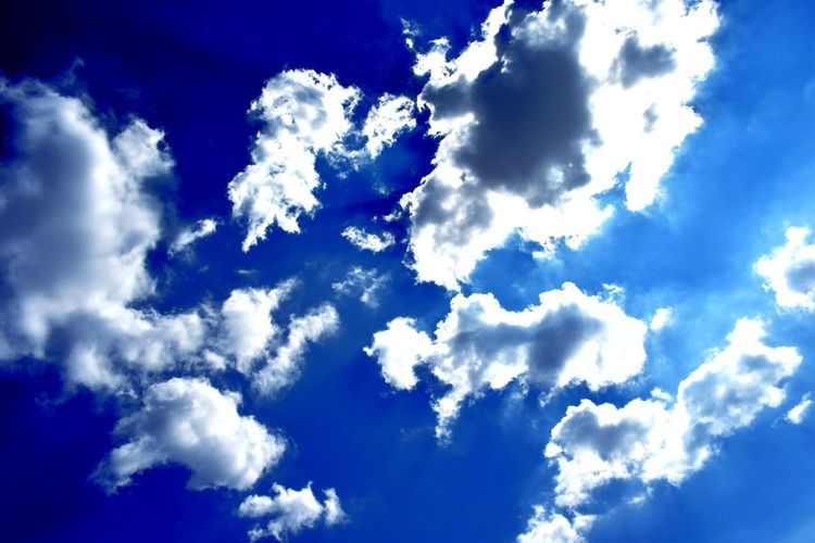 Cloud - Sky Nature Blue Cloudscape Sky Weather Dramatic Sky Backgrounds Heaven Beauty In Nature Day Outdoors Spirituality Sky Only No People The Week On EyeEm EyeEm Best Shots EyeEm Selects EyeEmBestPics EyeEm Best Edits EyeEmNewHere Your Ticket To Europe Pattern Prague Czech Republic