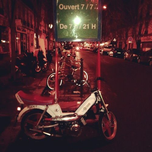 Coup de coeur ' Mobylette Vogue Instalike Paris France night instanight instagram ''