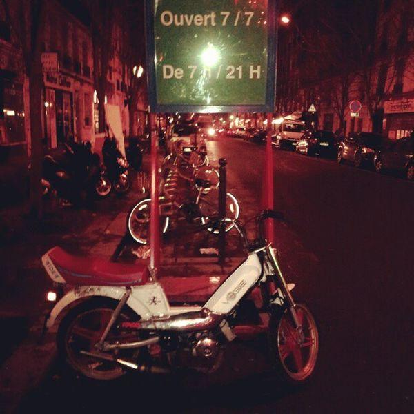 Coup de coeur ' Mobylette Vogue Instalike Paris France night instanight instagram ''