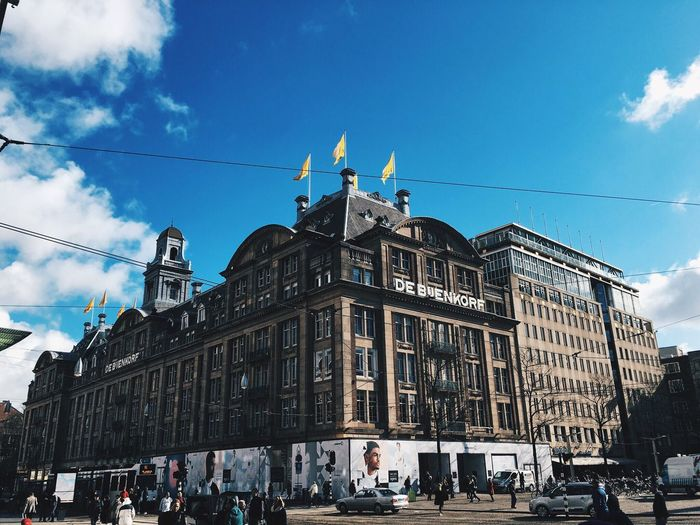 Architecture Building Exterior Cloud - Sky Built Structure Sky Day Large Group Of People Flag Outdoors Real People Low Angle View Travel Destinations Statue Men City People Adult EyeEm Selects