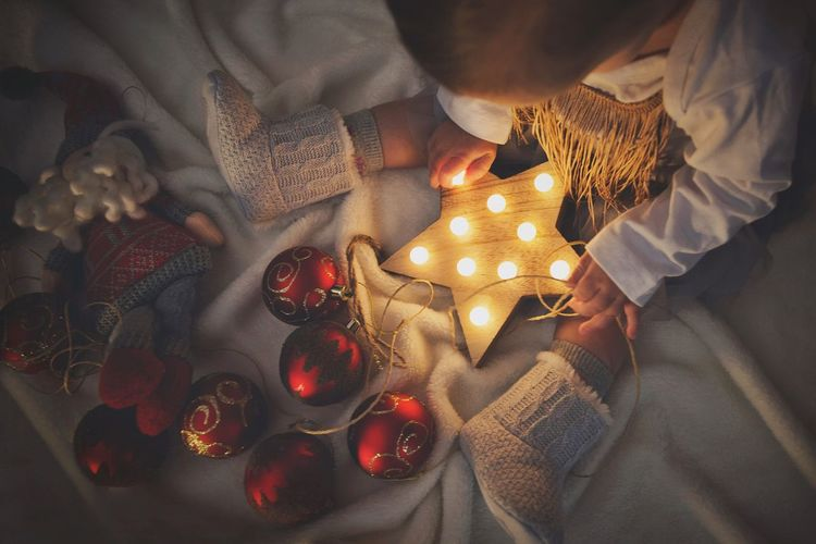 Be the star 💫 #star #baby EyeEm Gallery EyeEm Best Shots Picoftheday Photooftheday Photography Lifestyles Crhistmas Time Baby Stars Detail EyeEm Selects High Angle View Candle Indoors  Table Illuminated EyeEmNewHere Night Flame Home Interior