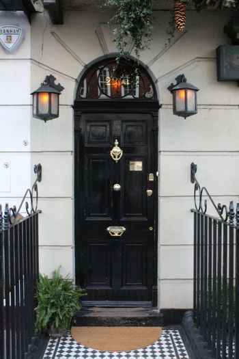 Door No People Architecture Day Outdoors Travel Destinations Built Structure Vacations Building Exterior City Sherlockholmes London Vacantion 221B Baker Street 221b Bakerstreet