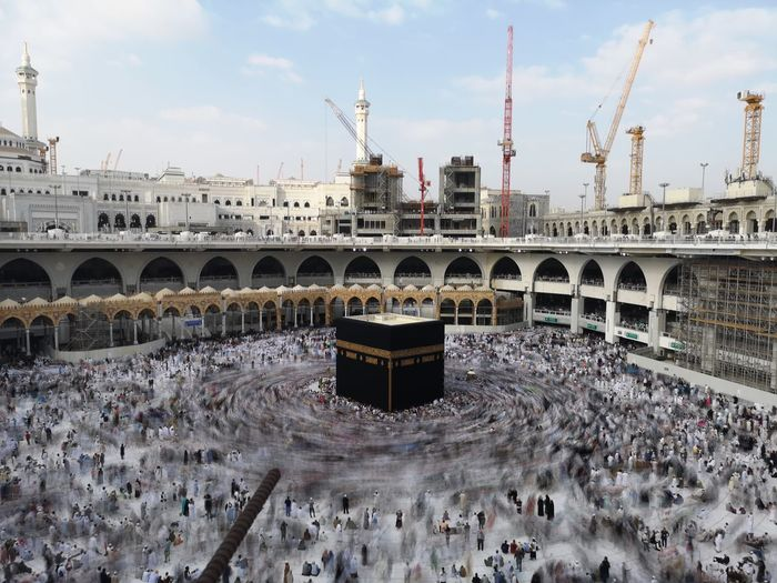 Kaaba at Mekah Saudi Arabia Kaaba Kaabah City Cityscape Urban Skyline Politics And Government Bridge - Man Made Structure Business Finance And Industry Sky Architecture Built Structure Skyscraper Downtown High Rise Rollercoaster Financial District  Chicago China Central Television Downtown District Traveling Carnival