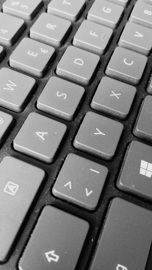 Computer Key Computer Keyboard Technology Computer Backgrounds Full Frame Connection No People Alphabet Close-up Computer Equipment Keyboard Communication High Angle View Convenience Indoors  Wireless Technology Internet Day Tastatur PC Computer Monitor