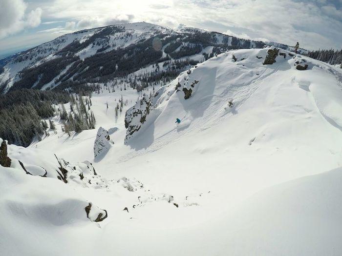 Kaden skiing