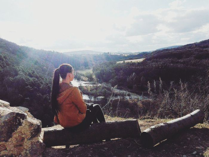 Sitting Full Length One Person Nature Landscape Relaxation Beauty In Nature Lifestyles Real People Day Outdoors Leisure Activity Young Adult Sky Scenics People Adults Only One Woman Only Adult