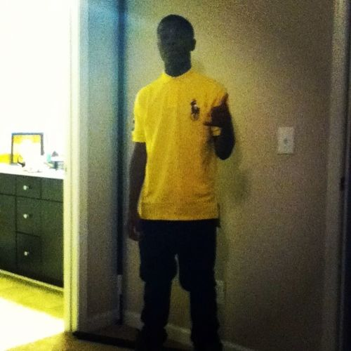 Yellow Top And My L's Up ^_^ !