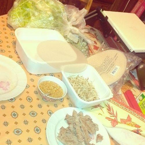 Préparation pour rouleau de printemps ça réchauffe pour l'hiver Rouleaudeprintemps Manger Oodt Outfitgrid repas lao laos strasbourg miammiam
