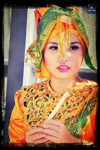 Folk girls Kultura