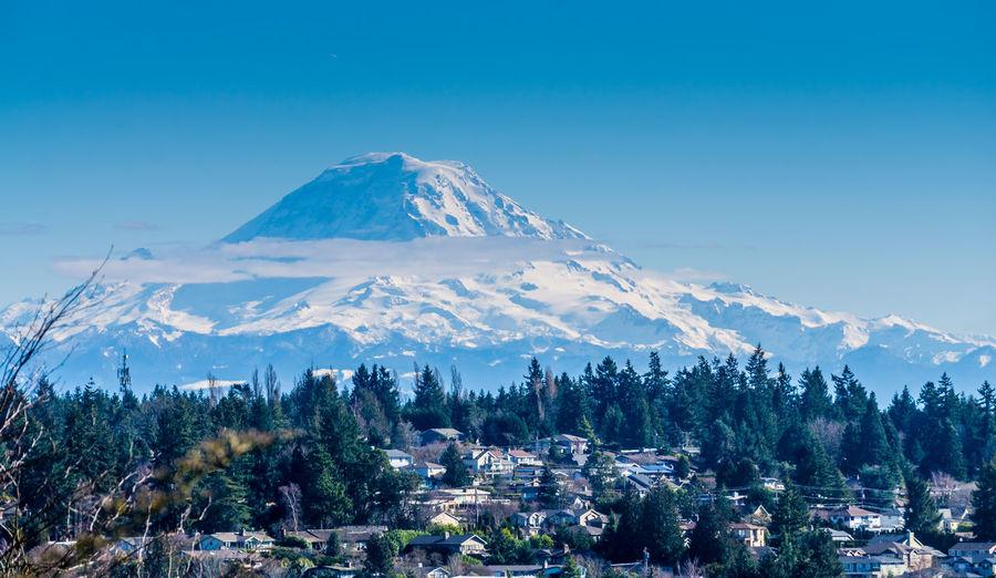 Peak and homes. Mount Rainier Mountain Snow Peak Nature Outdoors Majestic Homesweethome Architectrue