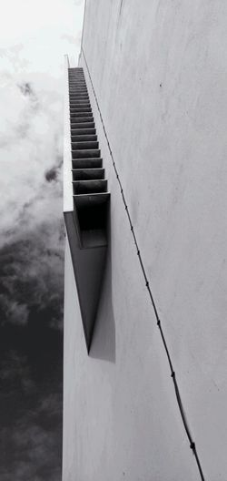 Stairs to the Heaven / Escadas para o paraíso #maputo Urbanexplorers Blackandwhite Worldtraveler Architecturedaily Minimalistdesign Buildings Perspective Architecturephoto Cityview Worldpics Sunprotection Design Exteriors Architecture_maputo Inspiration Archilover #fotografiaarquitectura #joseforjazarquitectos Roof Architecture Sky Close-up Built Structure Building Exterior Concrete Concrete Wall Cement Architectural Detail EyeEmNewHere