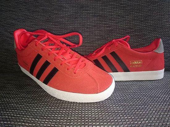 Formylady Todayspruchase Adidasgazelle Adidaslondon Trefoilonherfeet those laces will end up in my Adidashochelaga soon 😂😂
