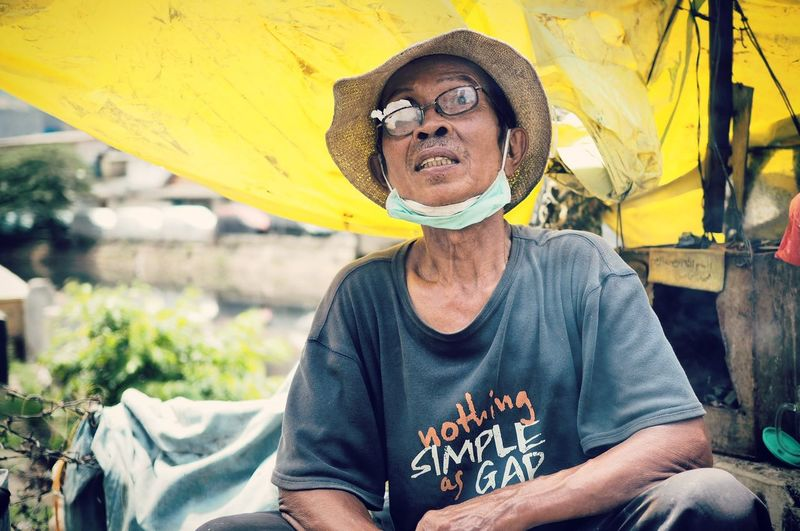Everybodystreet INDONESIA Streetphotography JakartaStreet EyeEm Indonesia Jakartastreetphotography Jakarta Indonesia Portrait Photography Street Portrait Showing Imperfection