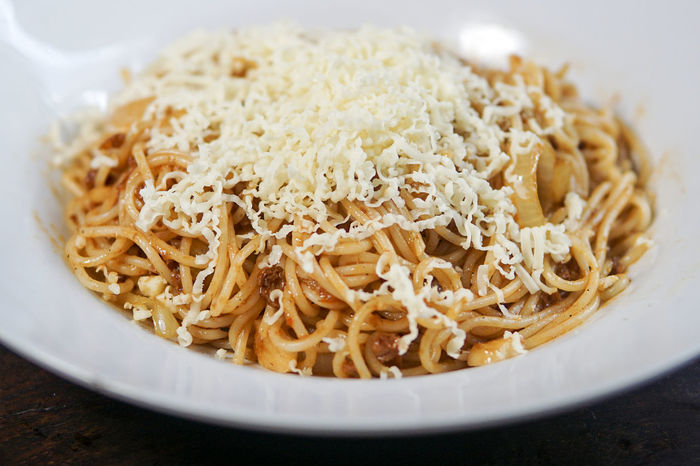 Spaghetti Aglio Aglio Olio Close-up Day Food Food And Drink Freshness Grated Healthy Eating Indoors  Italian Food No People Pasta Plate Ready-to-eat