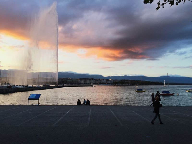 Jet d'eau, Genève Geneva Switzerland Swiss Sky Jetdeau Water Reflections Beach People Sea Only Men EyeEmNewHere Colour Your Horizn