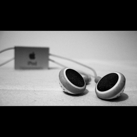 When the music is over turn of the light Music Shuffle Black and white Ipod musica bianco e nero