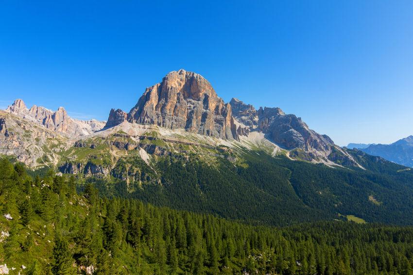 Le cinque torri Cinque Torri Dolomites Dolomites, Italy Dolomiti Italy Trekking Beauty In Nature Climbing Day Dolomiti Mountain Nature No People Outdoors Scenics Sky