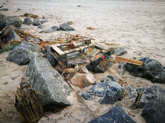 Beach Beachphotography Sand Garbage Rubbish Trash Trash At The Beach Jetsam Sea Flood Damage Pollution In My World Pollution Of The Environment Pollution Polluted Water Polluted Nature Beach Pollution Sea Pollution Beach Photography Environmental Pollution Environmental Environment Stranded Manmade