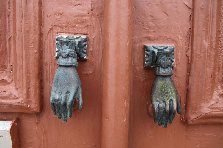 EyeEm Selects Wood - Material Door Business Finance And Industry Close-up Door Knocker Closed Doorknob Keyhole Front Door Locked Rusty Handle Lock Closed Door Historic Key Ring EyeEmNewHere