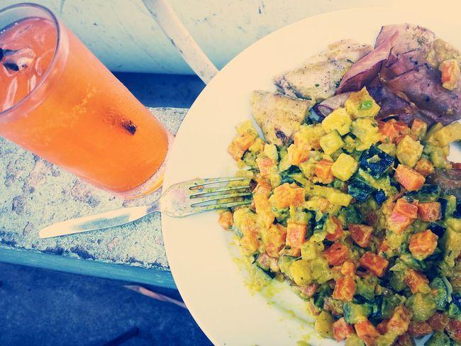 Almoçando... Legumes Quisados com Cherne...