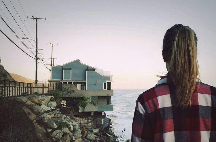 Lana Del Rey High By The Beach Videoclip Malibu California House Beach Besch House Sky