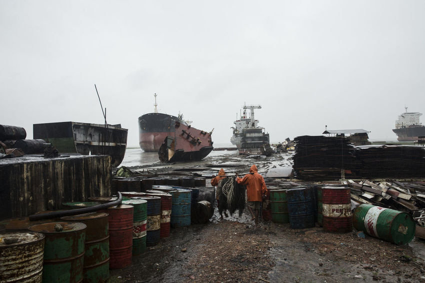 Bangladesh Work Working Working Hard Chittagong Outdoors Scrap Scrapped Ship Ship Ships