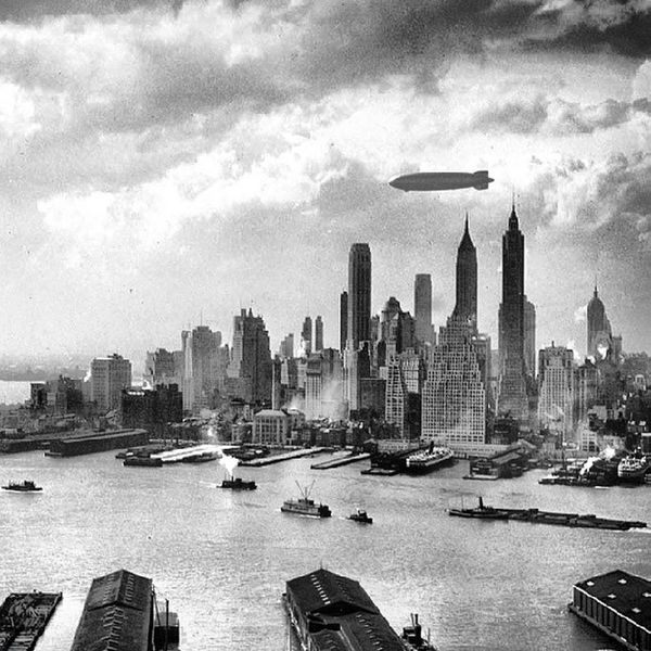 The #Hindenburg #floats over #Manhattan #Island in #NewYorkCity on May 6, 1937, just hours from #disaster in nearby #NewJersey Island Manhattan Disaster Newyorkcity Newjersey Floats Hindenburg