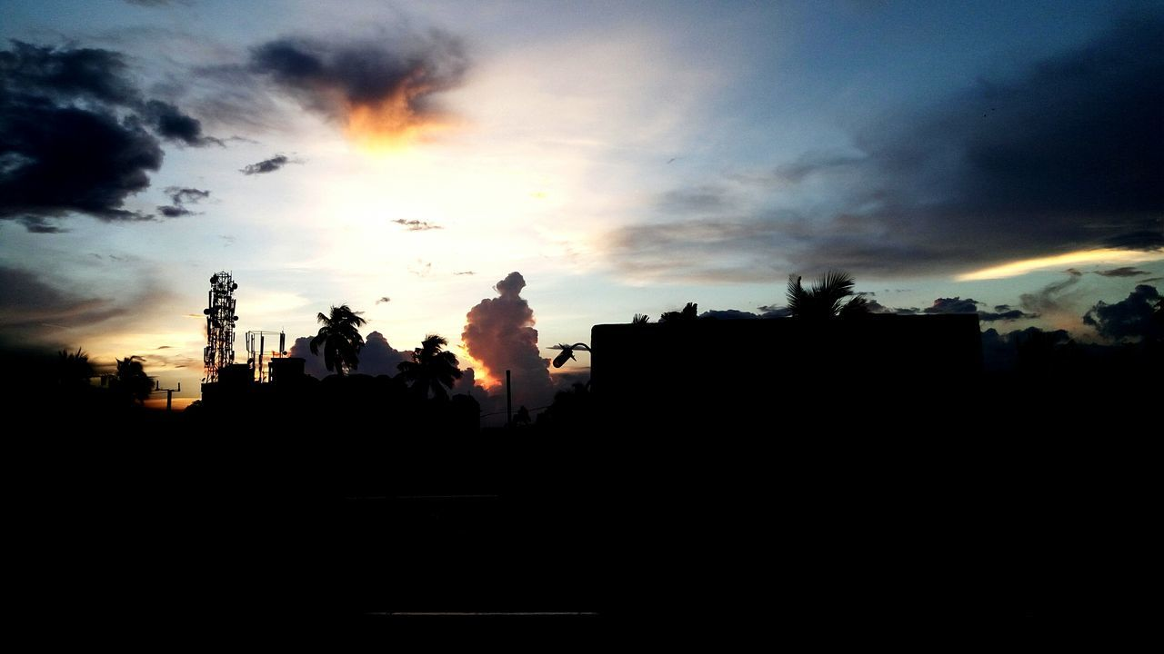 silhouette, sunset, building exterior, sky, architecture, built structure, cloud - sky, cityscape, outdoors, city, no people, nature, tree, beauty in nature, day