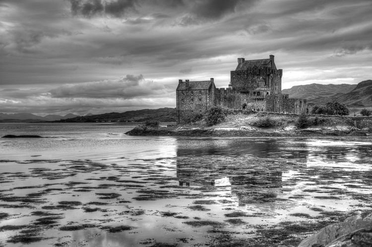 Scotland Escocia Castle Blackandwhite Reflection Javierpedraza.weebly.com Eyeemphoto Water Reflections Traveling Landscapes With WhiteWall Eyeem Photo
