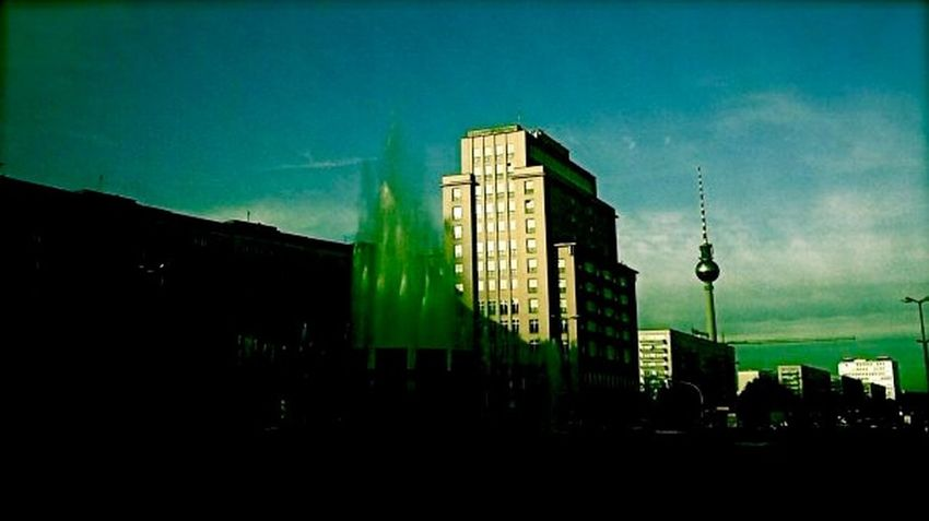 (C) Alexander Eger Berlin SNAPSHOTS Berlin Straußberger Platz Fernsehturm Berlin  City Discover Your City Myfuckingberlin Cityscapes Light And Shadow