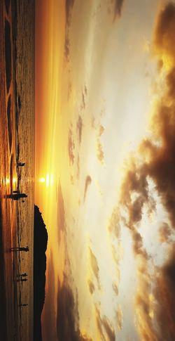 dream high Nofilter Rsa_oldfolks Rsa_nature Rsa Rsa_minimal Rsa_outdoors Iheartnature Ilovenature Lovednature Natures Photograph Photography Photographers_tr Photos604 Langkawi BD_ Bdpro Moody_nature Nature_fantastically Sunsetsky Islandsunset Sunsetlover Dusk Sea Sun Skies Cottoncandysky Sky