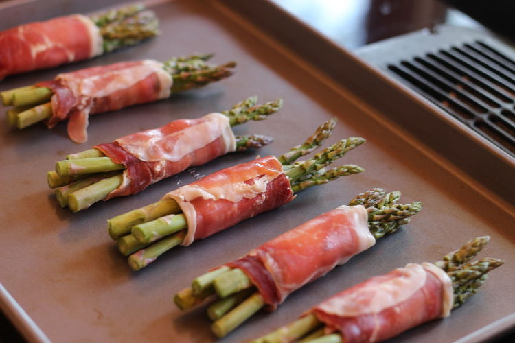 Asparagus Close-up Day Food Food And Drink Freshness Healthy Eating Indoors  No People Prosciutto Raw Food Ready-to-eat Seafood Table
