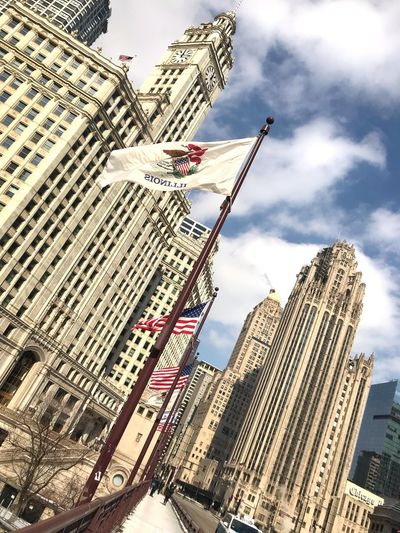 Sunny ☀️ day in the Windy 🌬 City Chicago Architecture Chicago Classic Architectural Feature Architecture_collection Architecture Eyeemurban Eyemphotography EyeEm Best Shots EyeEm Windy City Architecture Building Exterior Sky City Cloud - Sky Built Structure Tall - High