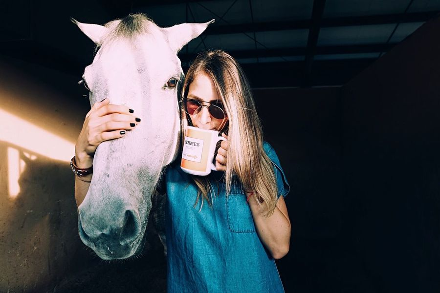This girl runs on coffee and horses. Horse Animals Horses Horse Photography  Horse Riding Showjumper Equestrian Coffee Equestrian Life Equestrianphotography Equestrianlife Horse Life Horse Love Morning Morning Light The Portraitist - 2017 EyeEm Awards